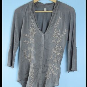 Anthropologie Tiny gray embroidered button down M